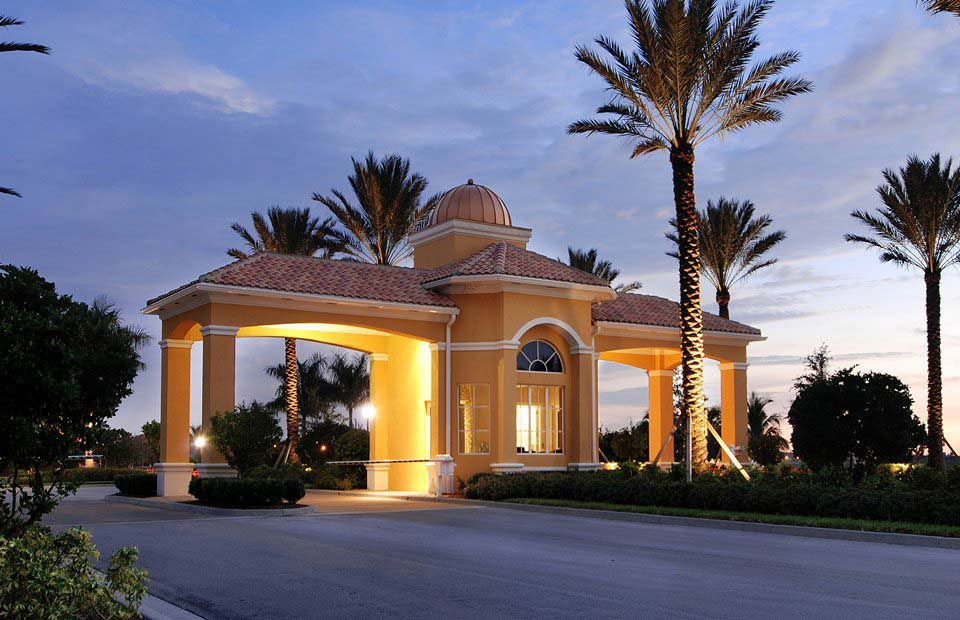 Village Walk Of Bonita Springs Entrance