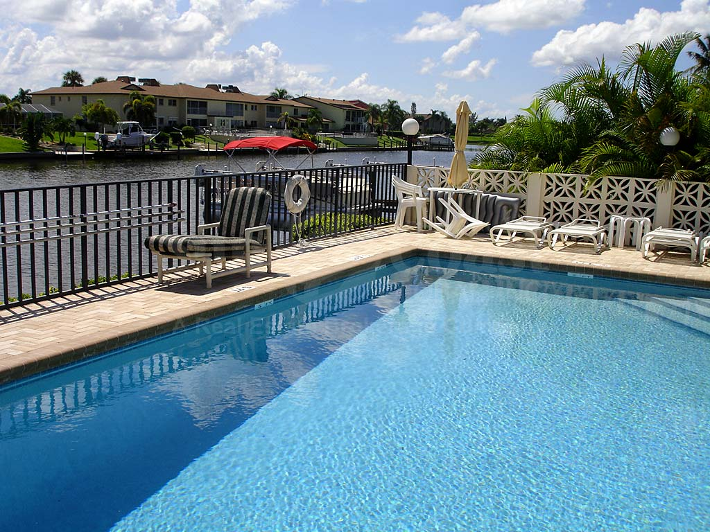 Aqua Vista Community Pool