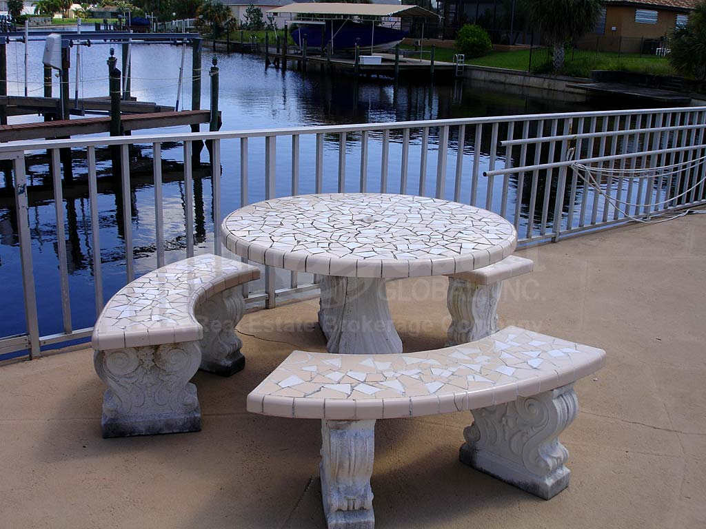 Avalon Place Seawall Furnishings