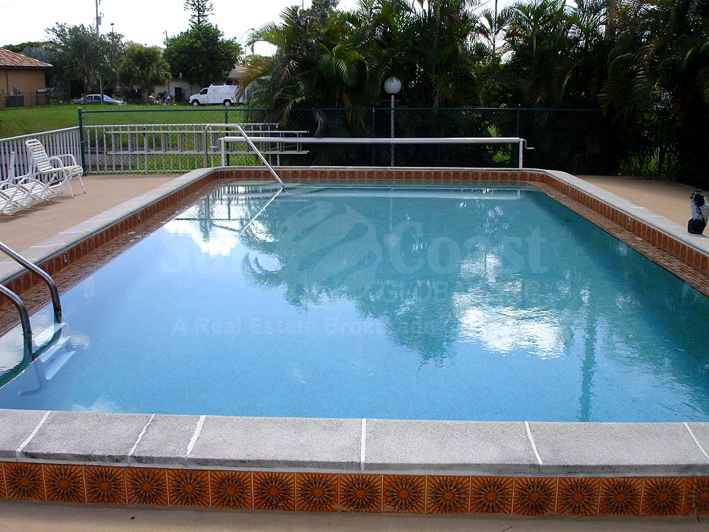 Avalon Place Community Pool