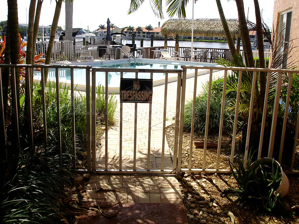 Bimini View Community Pool Safety Fence
