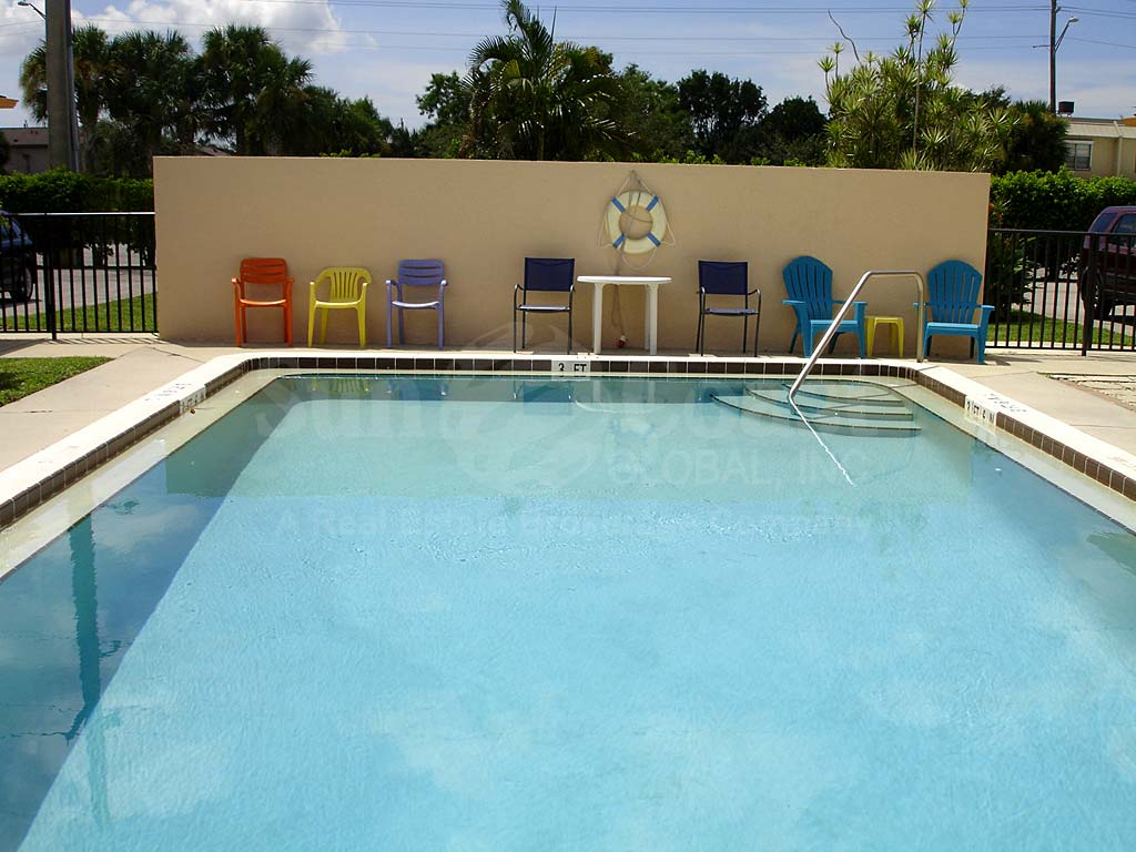 Cape Parkway Community Pool