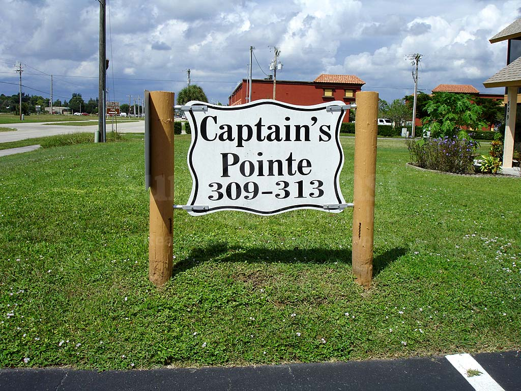 Captains Pointe Signage