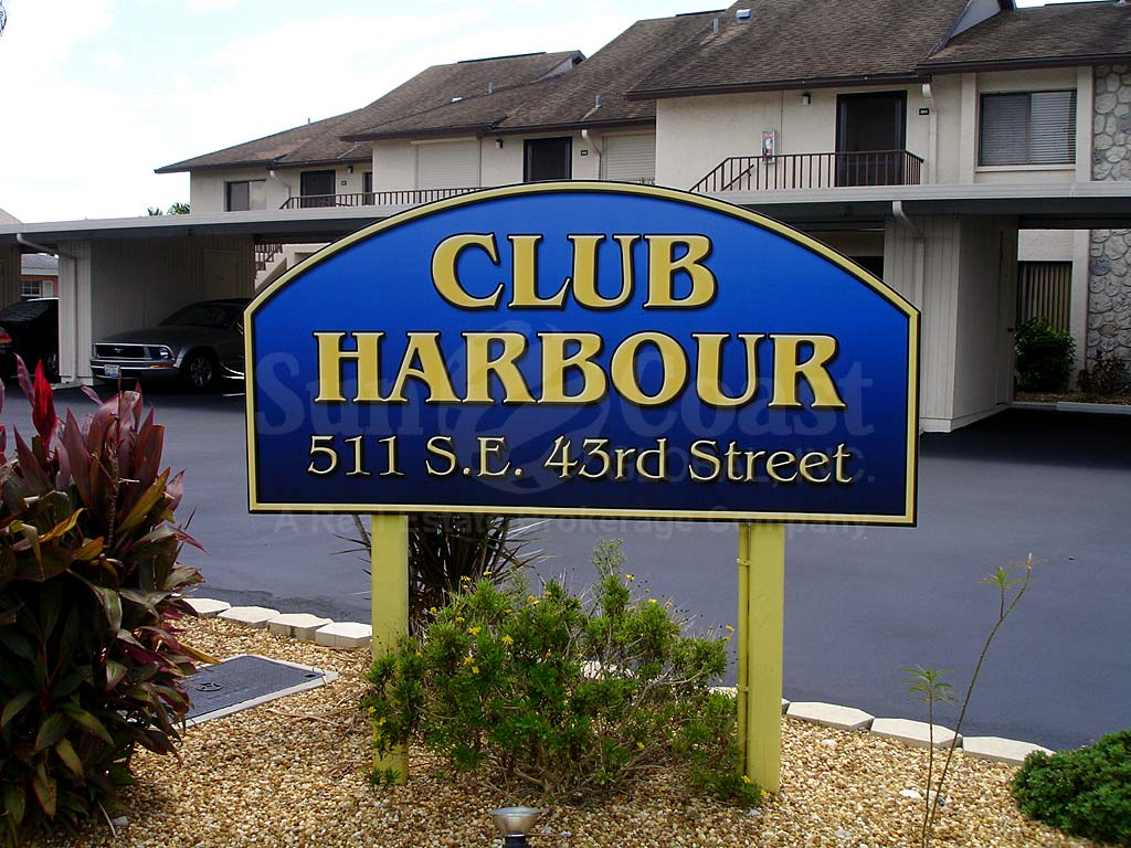 Club Harbour Signage