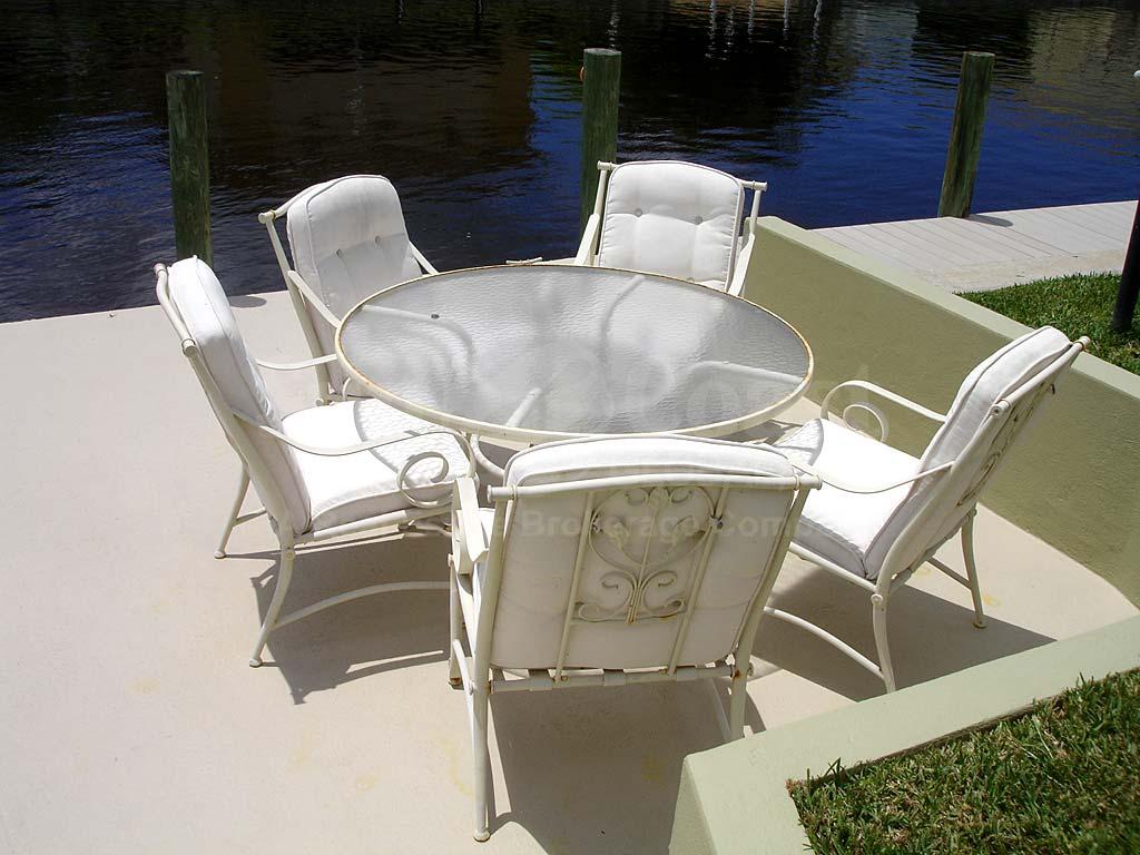 Dior Dockside Furnishngs