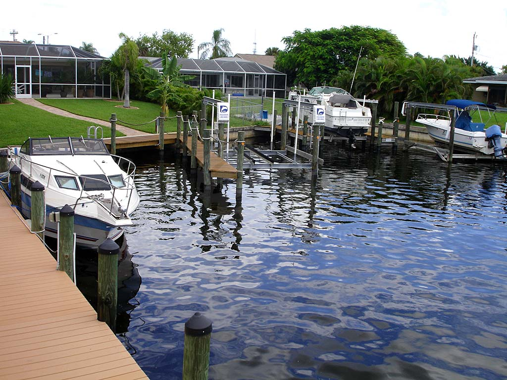 Dockside Boat Docks