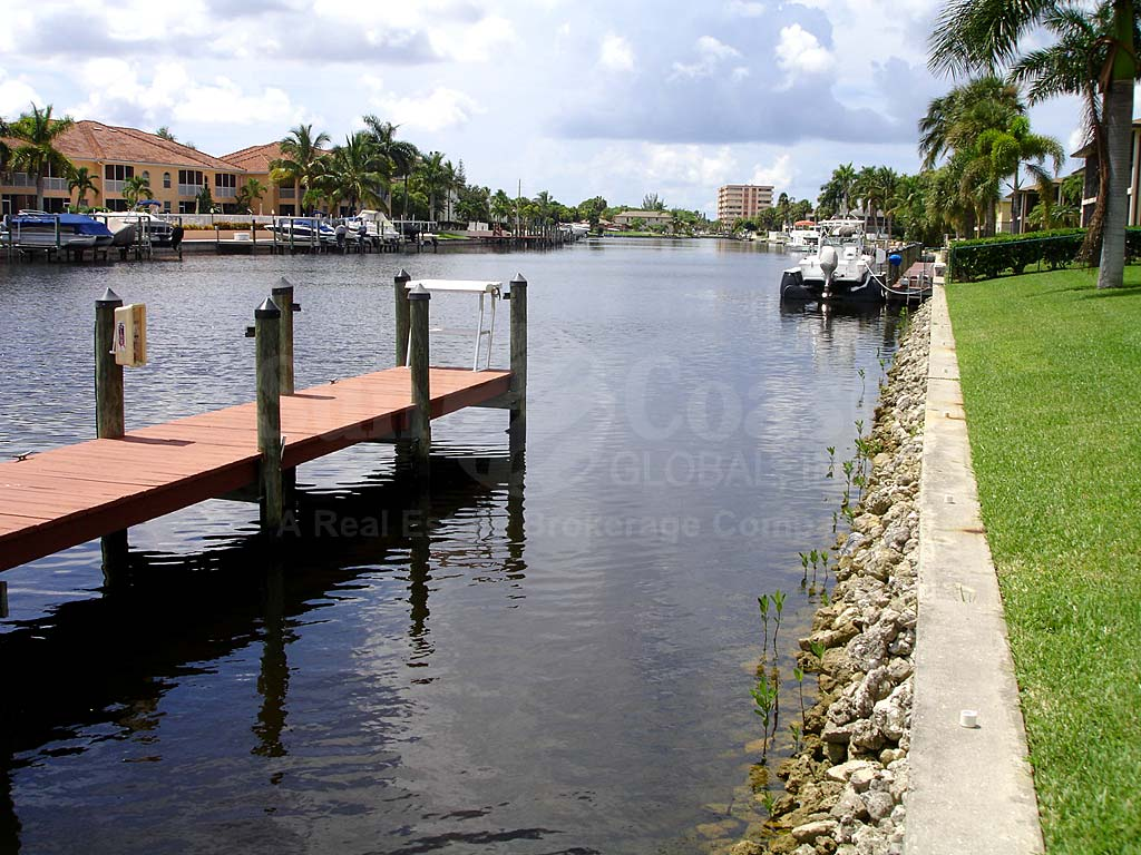 Fairway Manors Boat Docks