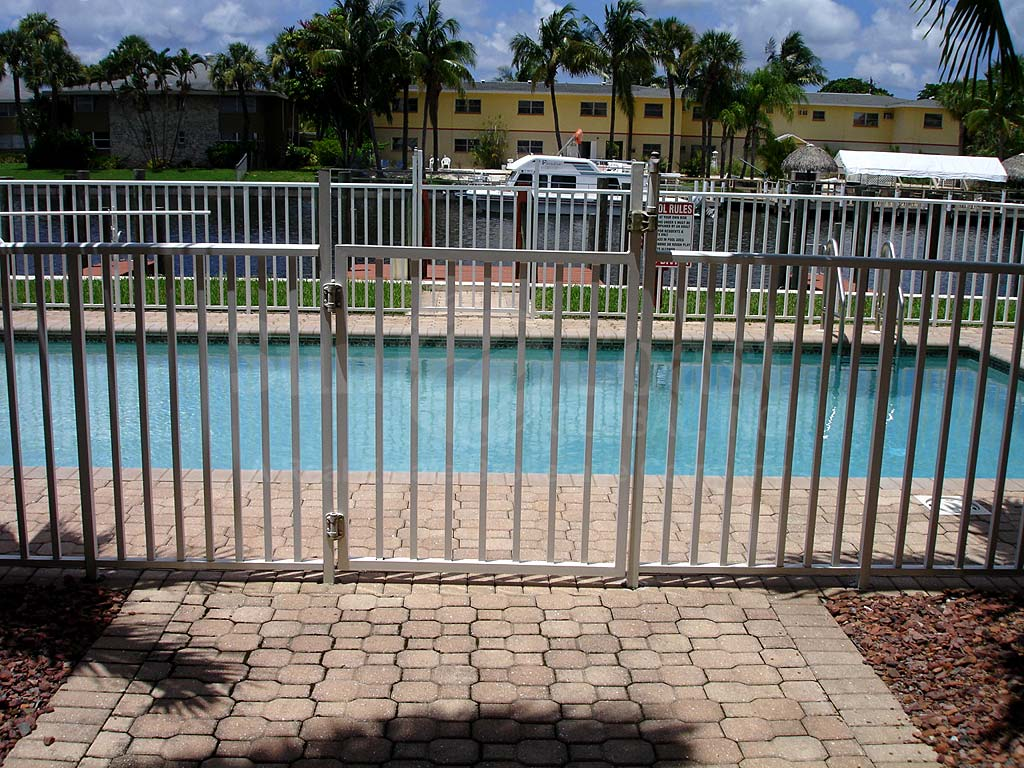 Grand Rubicon Community Pool Safety Fence