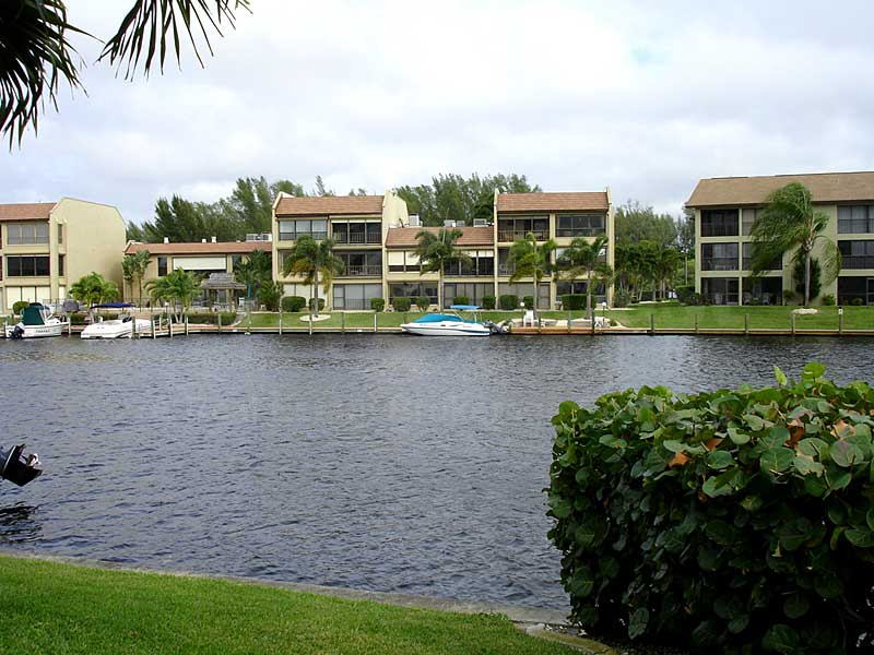 Gullwing Waterfront Condos