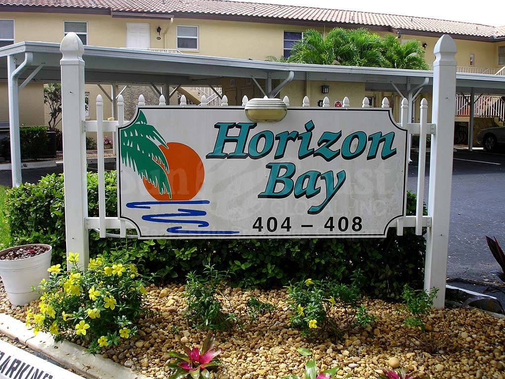 Horizon Bay Signage