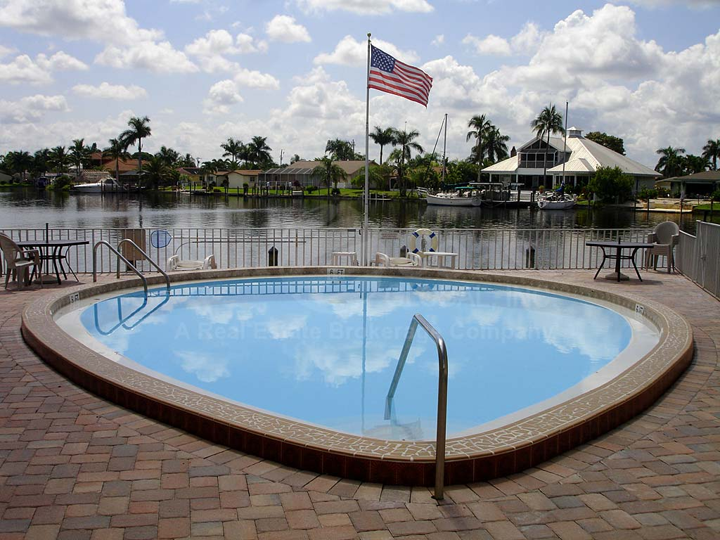 Horizon Bay Community Pool