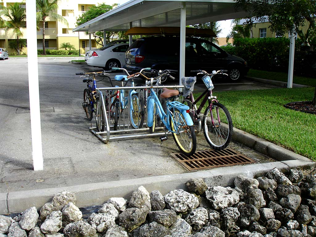 Island Cove Bike Rack
