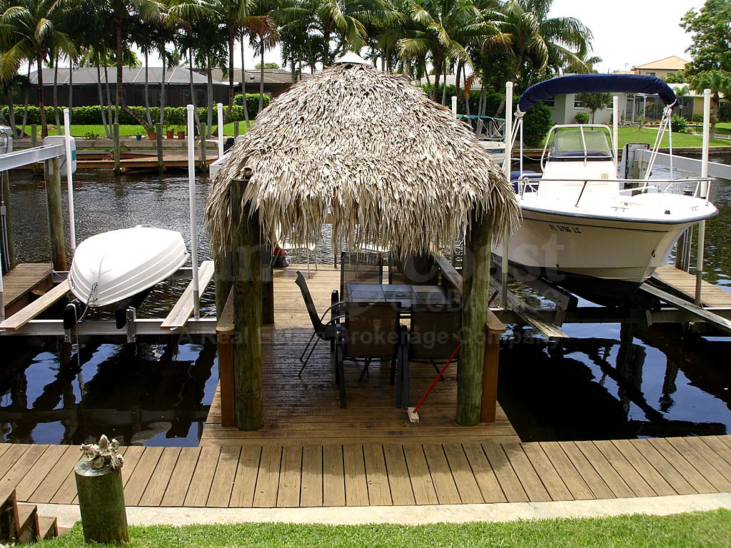 Parkway Place Dockside Cabana