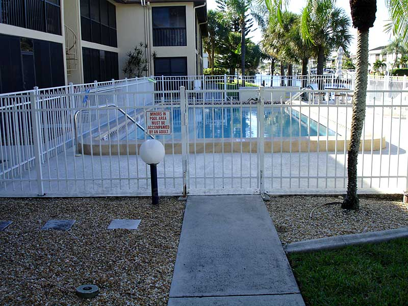 Sandpiper Community Pool