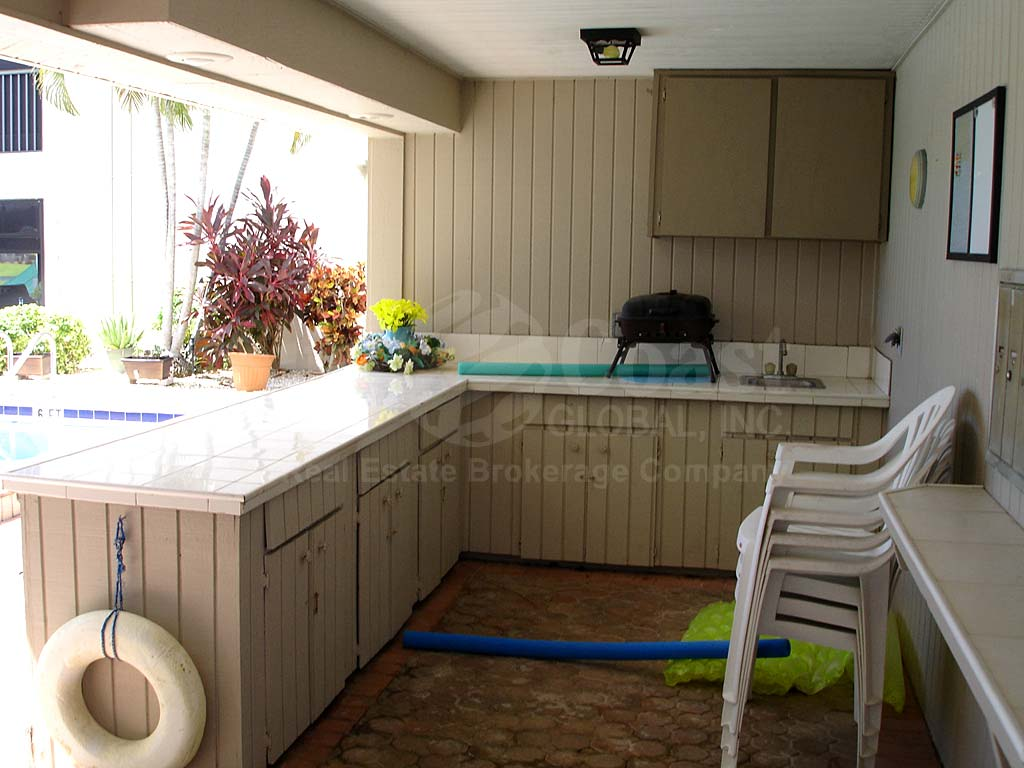 Schooner Pool Kitchen
