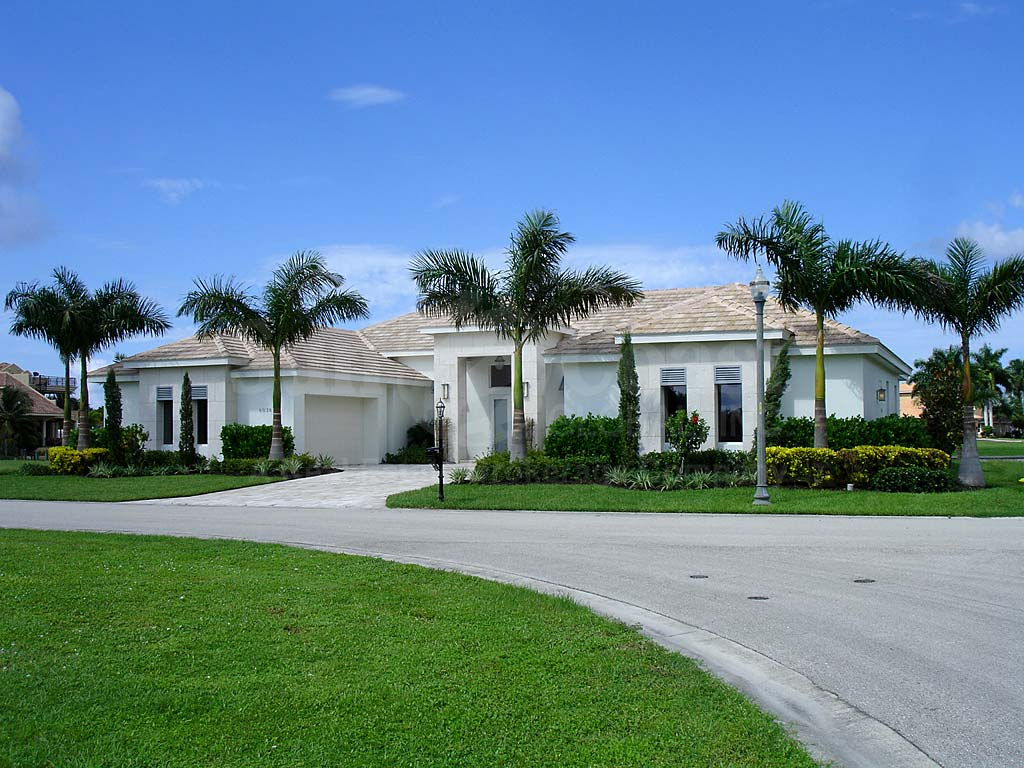 Tarpon Estates Homes