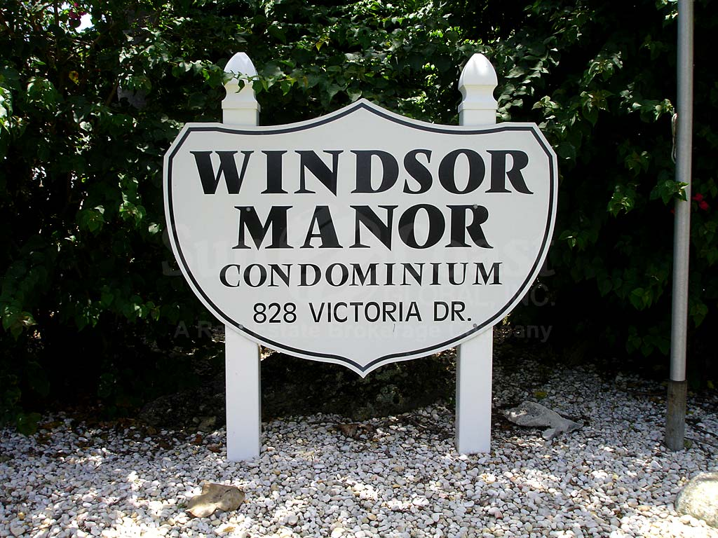 Windsor Manor Signage