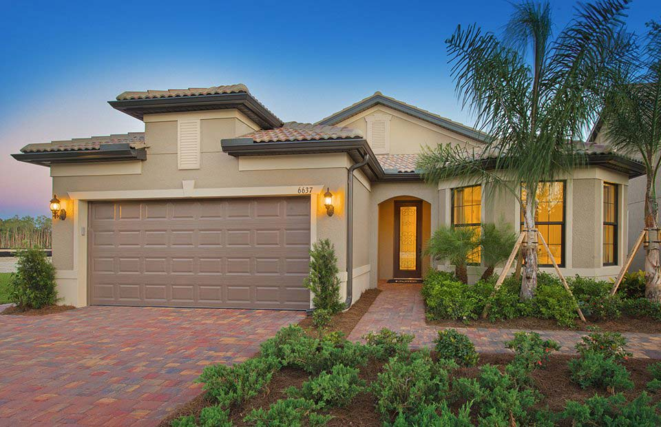 Summerwood Model Home in Camden Square, Fort Myers, by Pulte