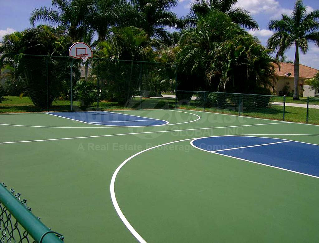 Casa Del Lago Basketball Courts