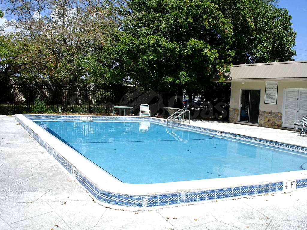 Colonial West Cond Community Pool