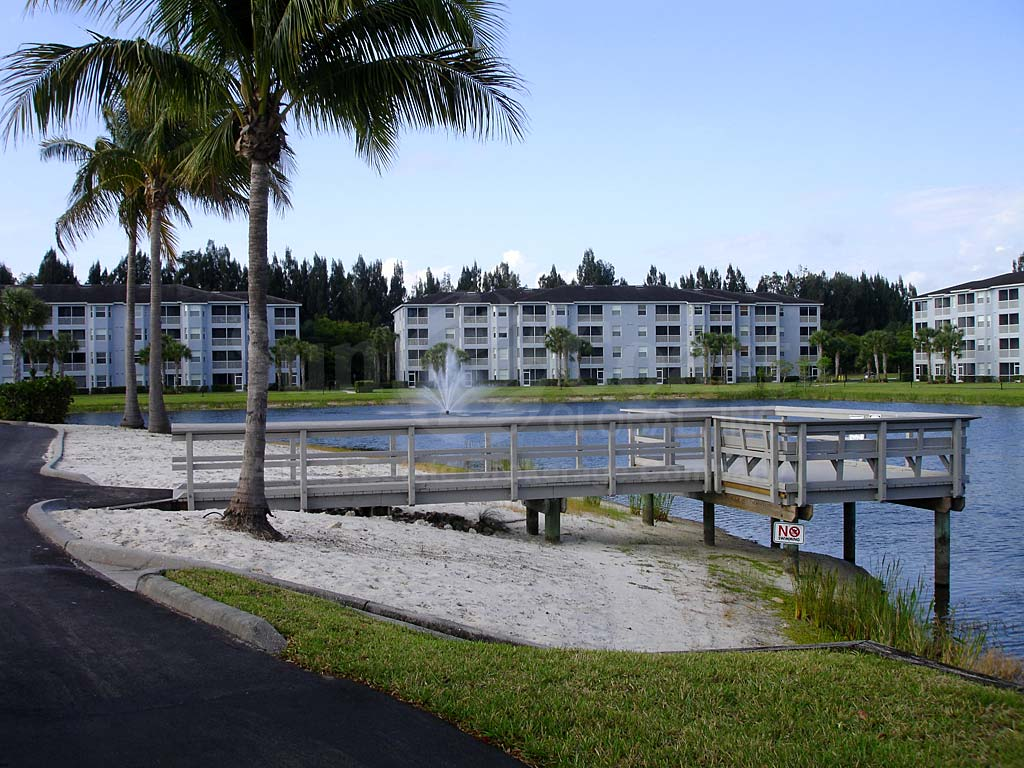 Heritage Pointe Dock