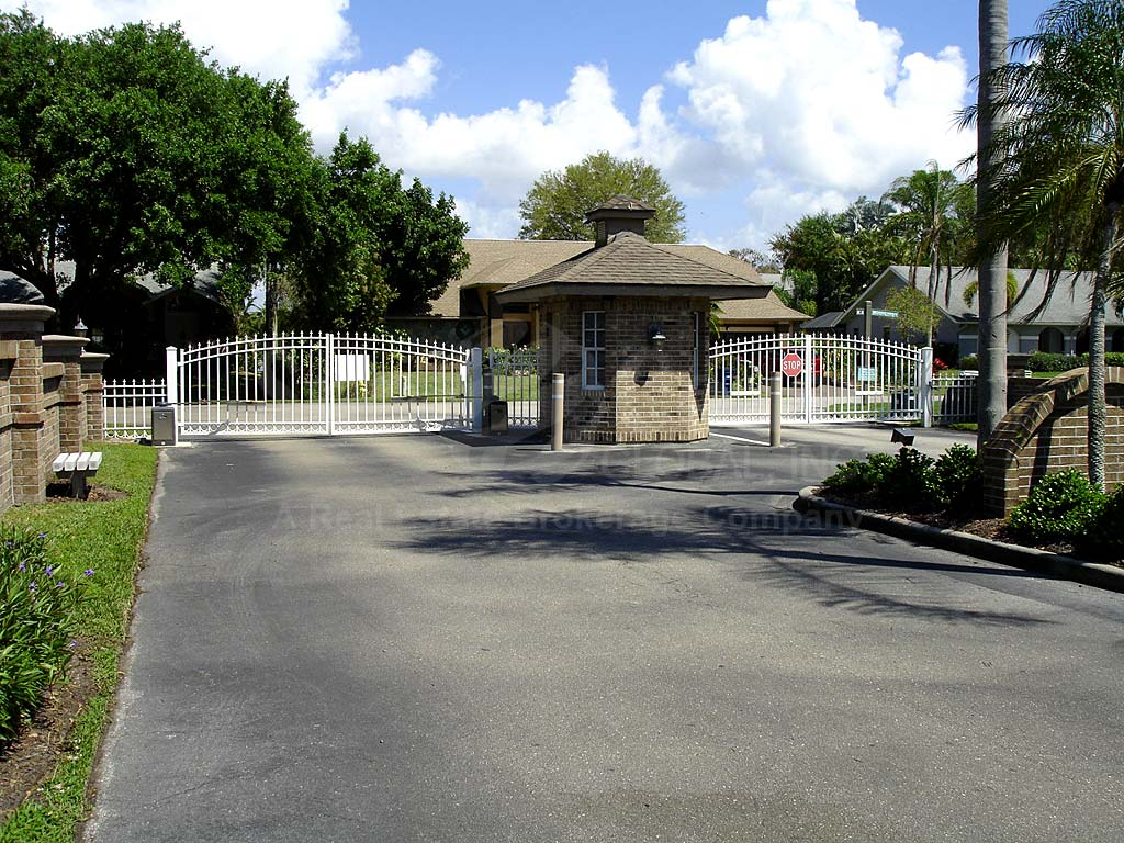 Highland Pines Estates Entrance