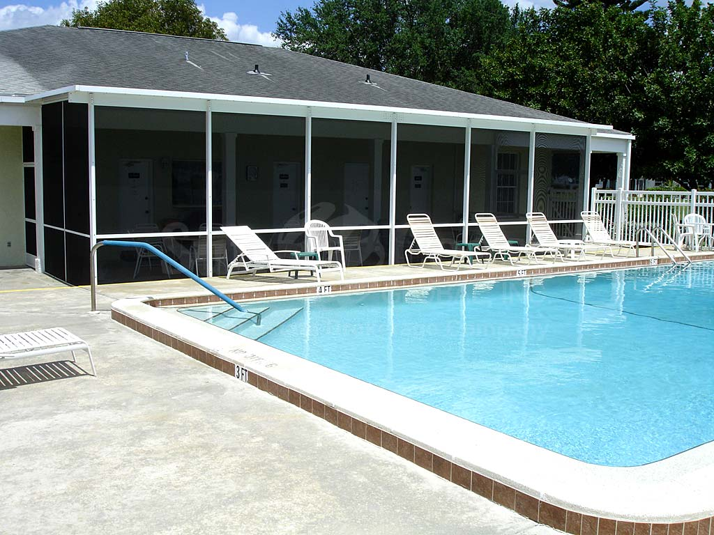 Myerlee Golfside Community Pool
