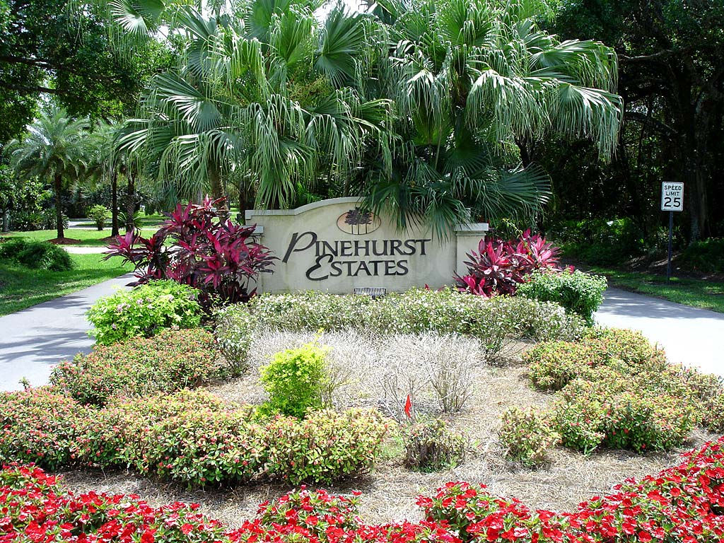 Pinehurst Estates Signage