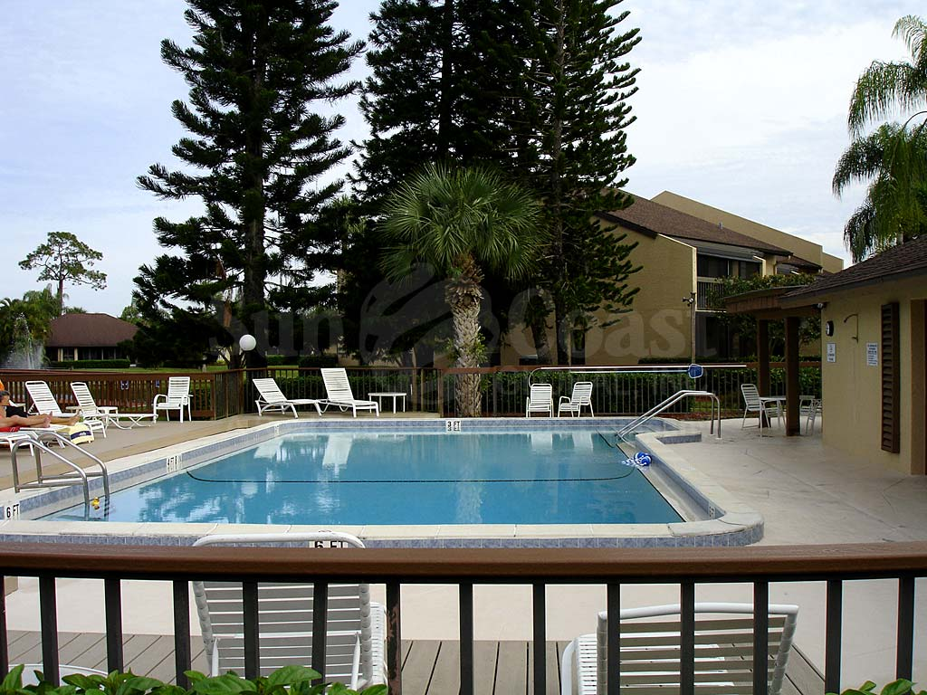 Admiralty Yacht Club Community Pool