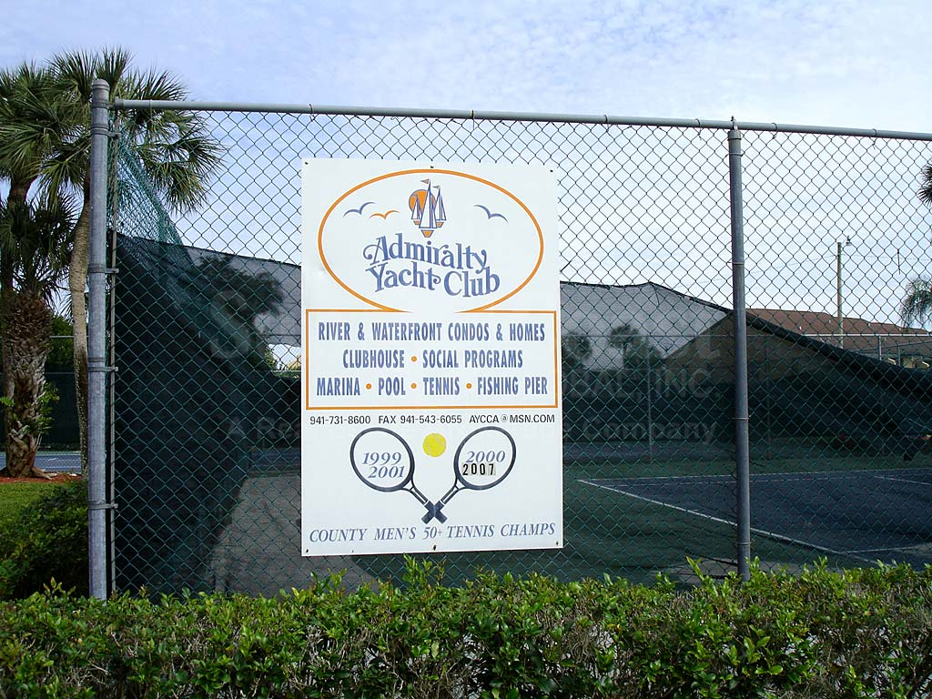 Admiralty Yacht Club Tennis Courts