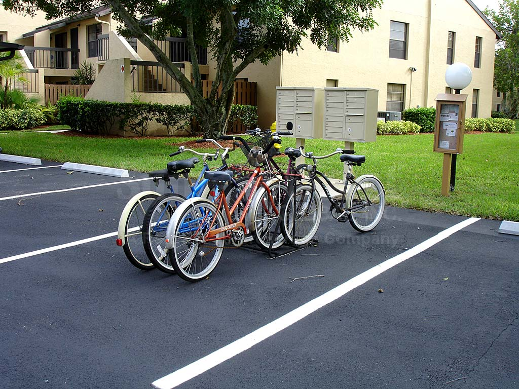 Admiralty Yacht Club Condos Bicycles