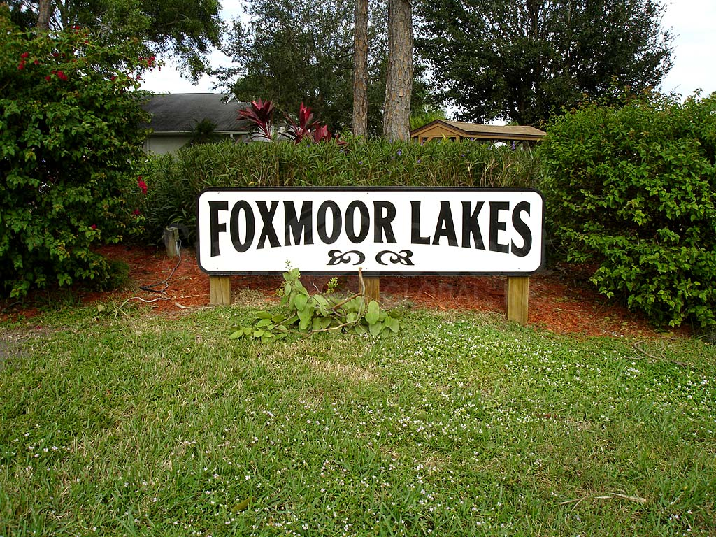 Foxmoor Lakes Signage
