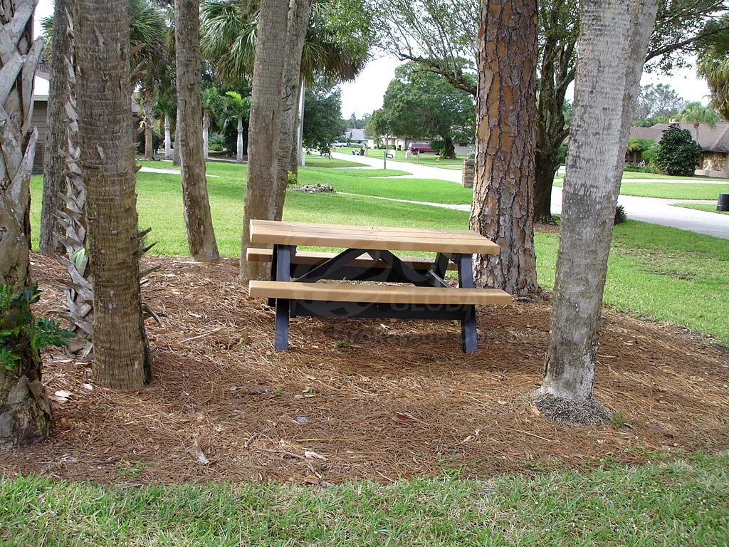 Hidden Acres Picnic Bench