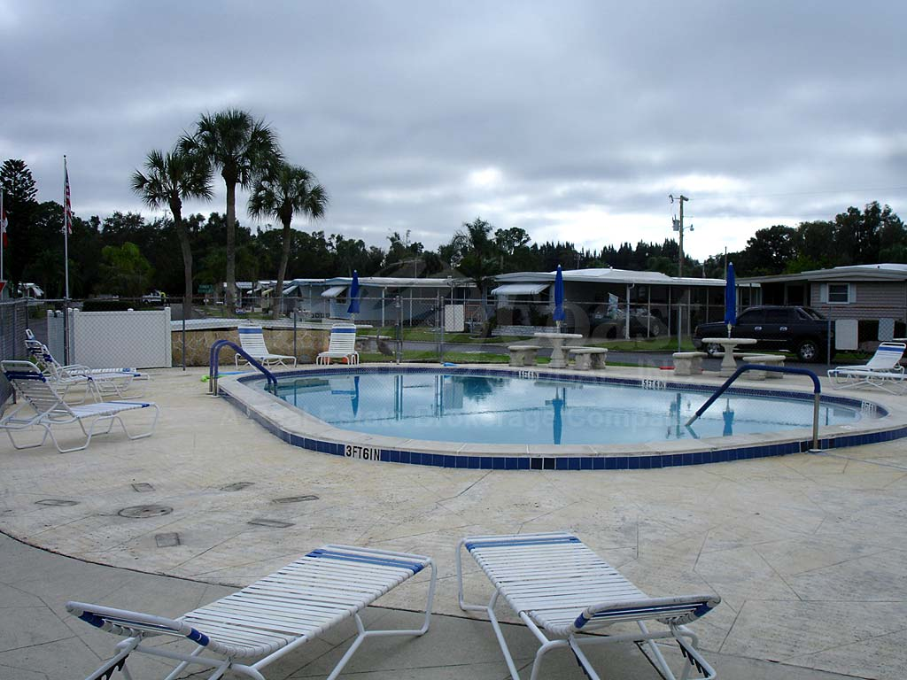 Laurel Estates Community Pool