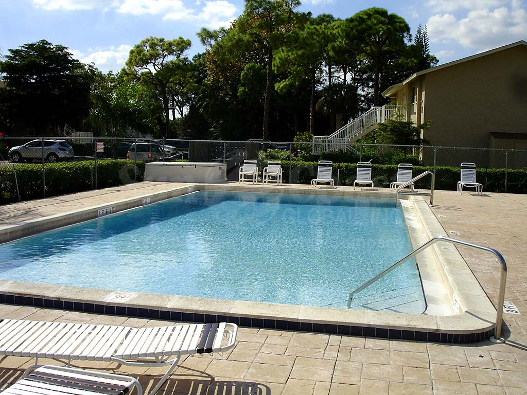 Lochmoor Villas Community Pool