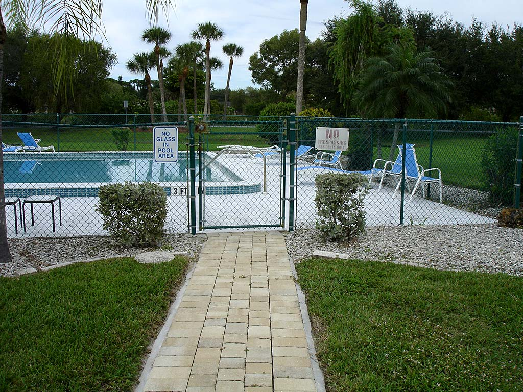 Marinatown Village Community Pool Safety Fence