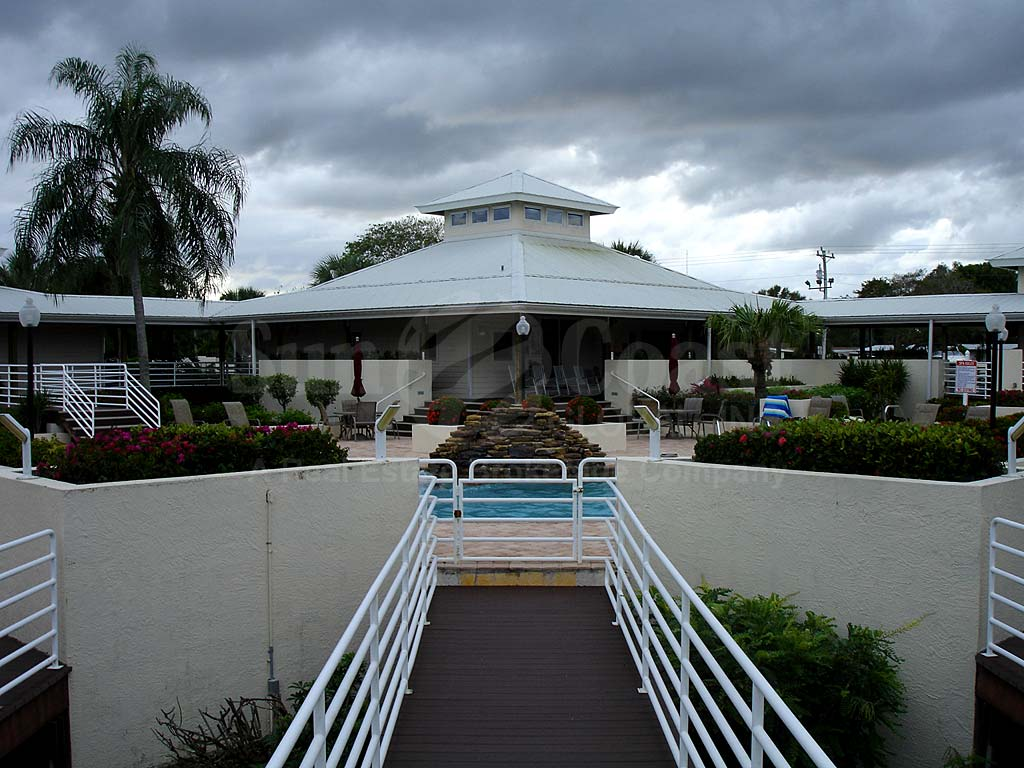 Palm Island Community Pool