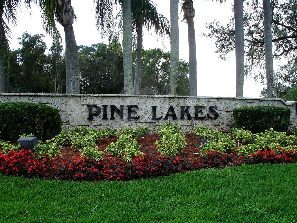 Pine Lakes Country Club Signage